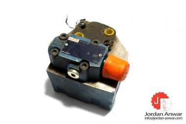 rexroth-R900565189-pump-safety-block-with-check-valve