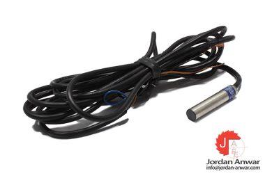 telemecanique-XS1L06PA340-inductive-sensor