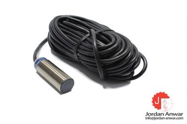 telemecanique-XS518B1DBL10-inductive-sensor