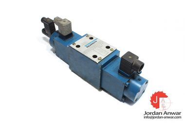 Rexroth-R900425548-direct-operated-proportional-directional-control-valve