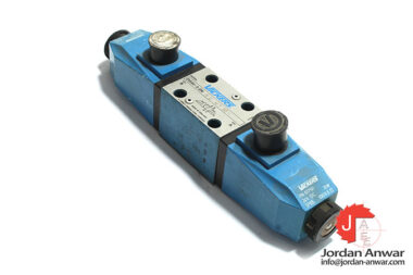 Vickers-DG4V-3-2N-M-U-H7-30-solenoid-operated-directional-valve
