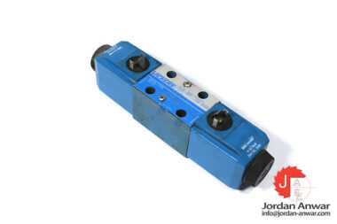 Vickers-DG4V-3-6N-M-U-H7-60-solenoid-operated-directional-valve