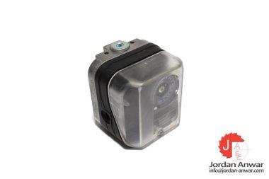 kroms-schroder-DG6U-3-84447350-pressure-switch