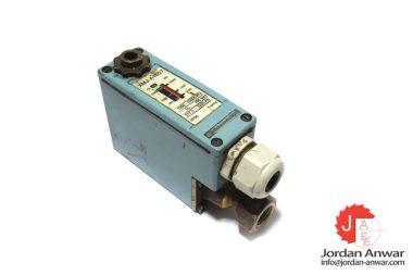 telemecanique-XMJ-A1607-pressure-switch