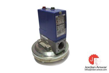 telemecanique-XML-B001R2S11-pressure-sensor