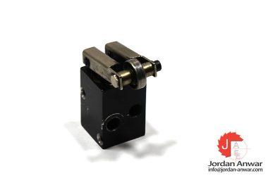 waircom-CALR8R-mechanical-valve