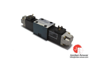 Bosch-0-810-090-130-solenoid-operated-directional-valve