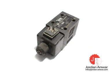 Parker-D3W002ENYW42-solenoid-operated-directional-valve