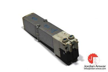 festo-537957-double-solenoid-valve
