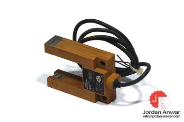 omron-E3S-GS3B4-photoelectric-sensor