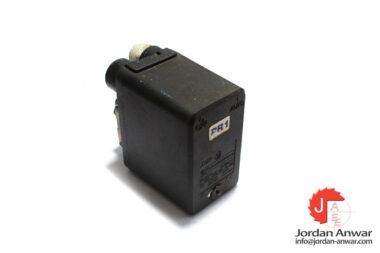 telemecanique-XMPA12B2131-diaphragm-pressure-sensor