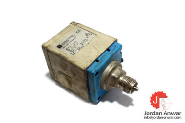 endress-hauser-PMC-133-1M1F2A6A1Q-pressure-switch