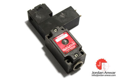 euchner-NZ1VZ-528-A1_VSE04-L060-safety-switch-with-separate-actuator
