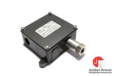 united-electric-J11-362-pressure-switch