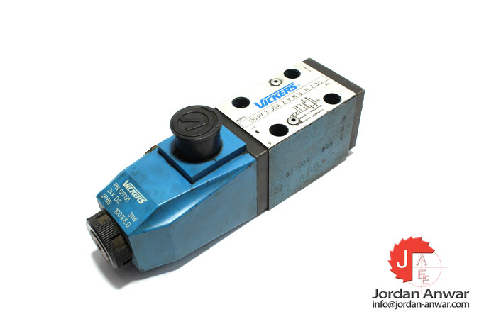 vickers-DG4V-3-35A-Z-V-M-U-H-7-30-solenoid-operated-directional-control-valve